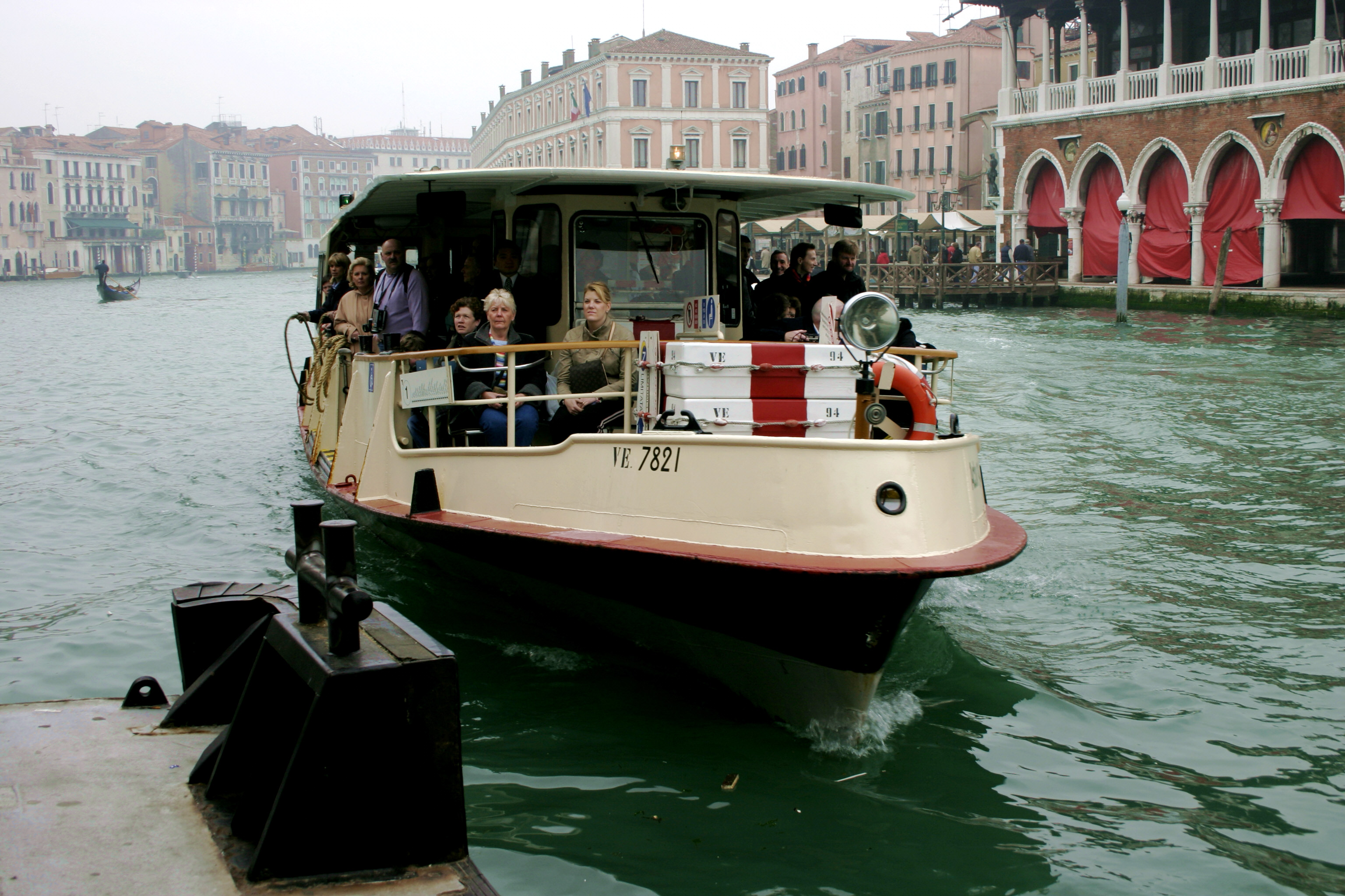 Venice - Vaporetto 01.jpg