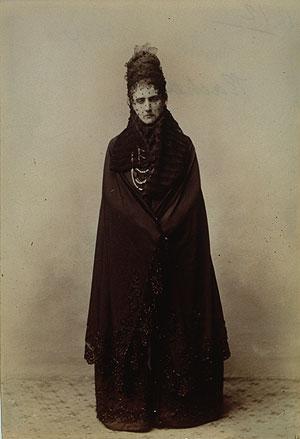 http://upload.wikimedia.org/wikipedia/commons/2/2f/Virginia_Oldoini_1893.jpg
