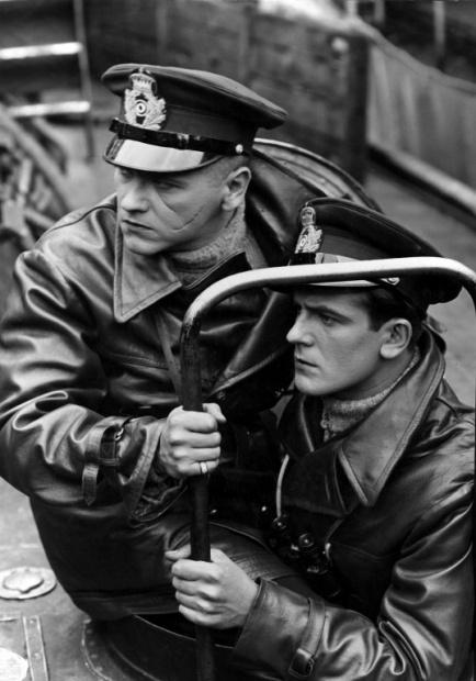 Eugeniusz Bodo (z lewej) i Adam Brodzisz (z prawej) w scenie z filmu