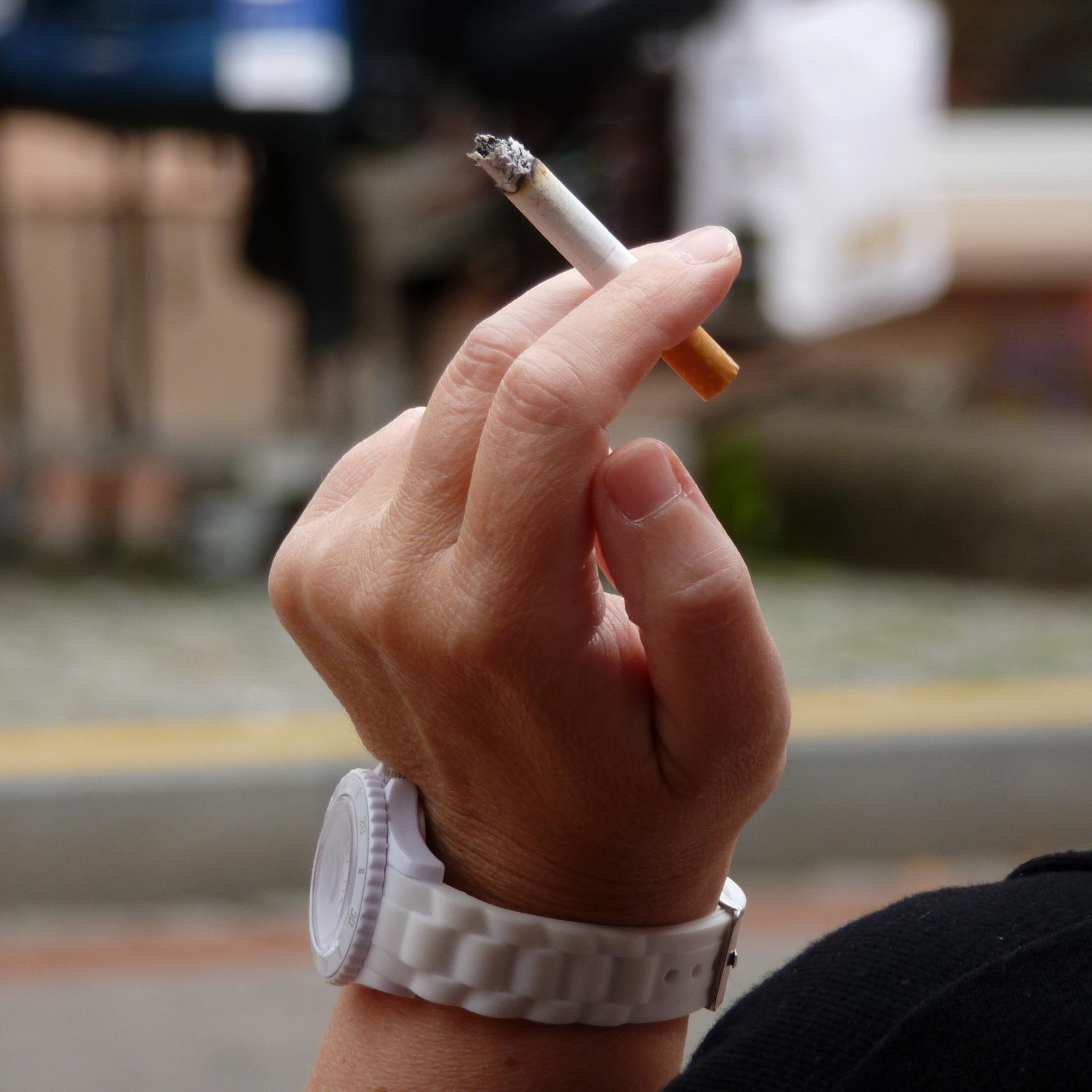 Woman_smoking_a_cigarette