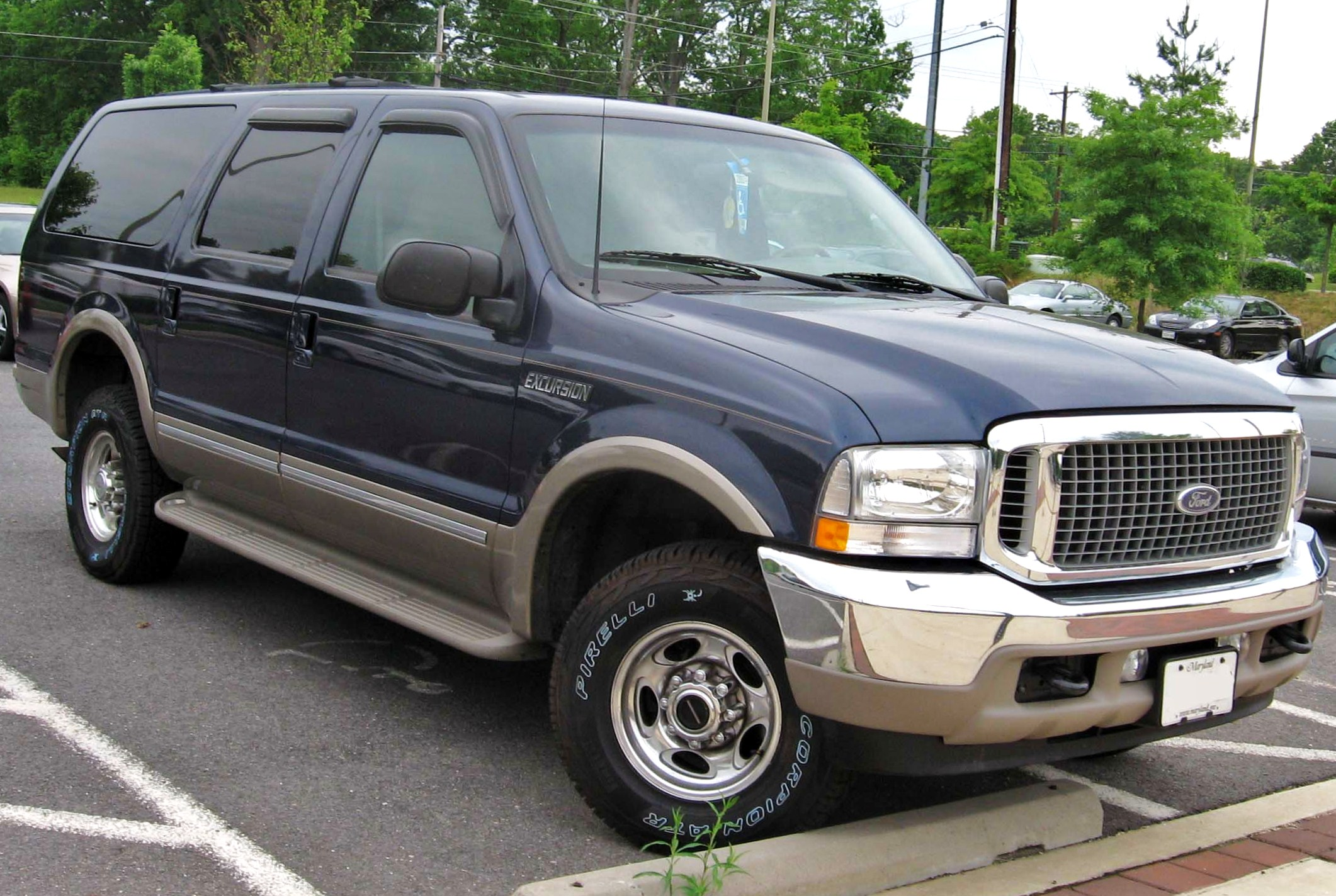 File:00-04 Ford Excursion.jpg - Wikimedia Commons