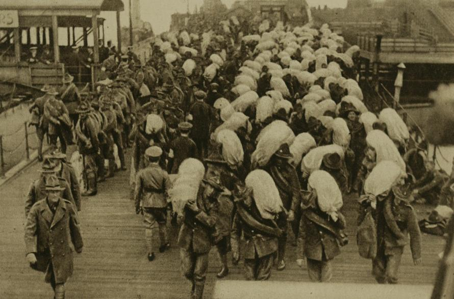 1918_NZ_troops_at_French_port.jpg