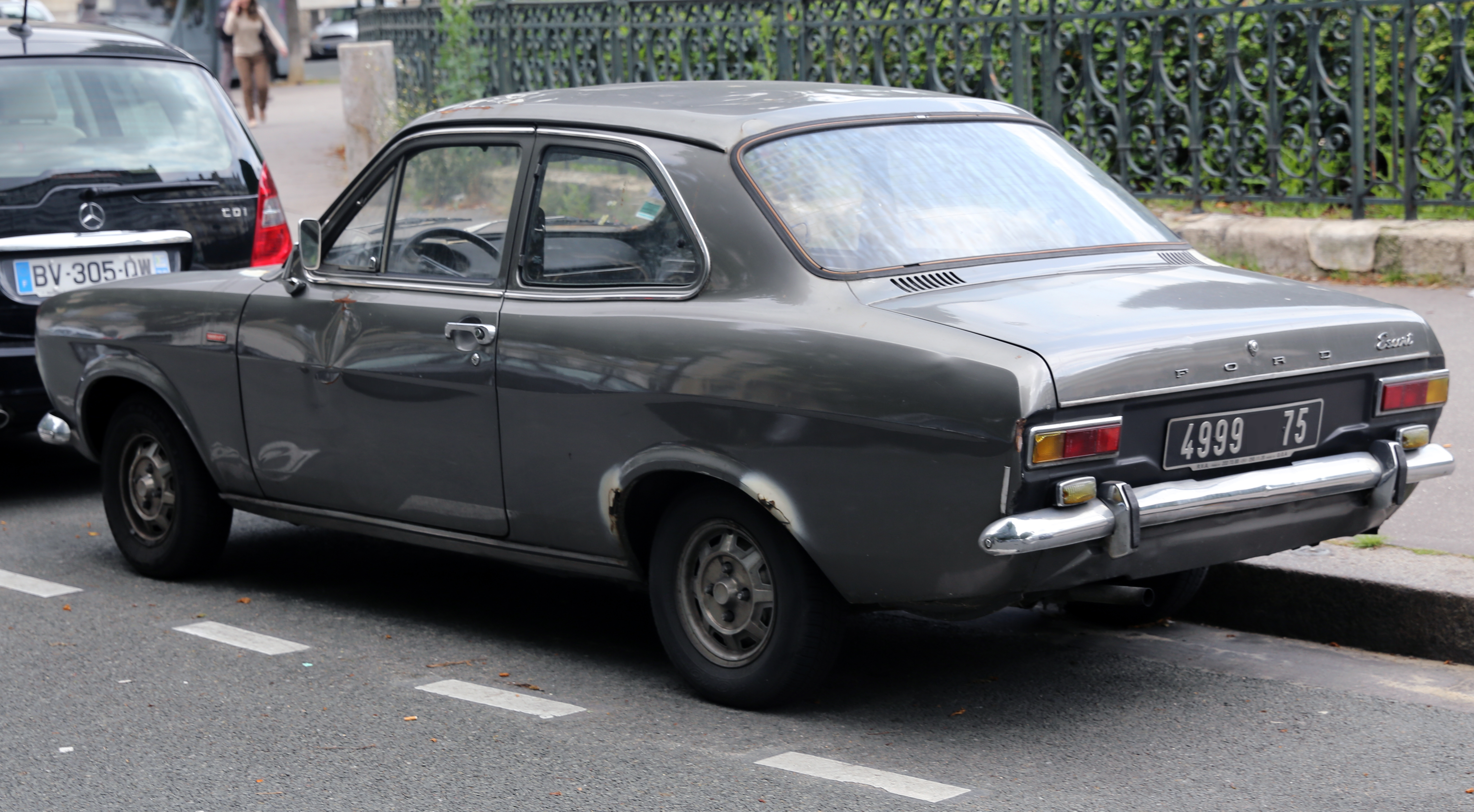 file 1970s ford escort 1300 gt wikimedia commons. Black Bedroom Furniture Sets. Home Design Ideas