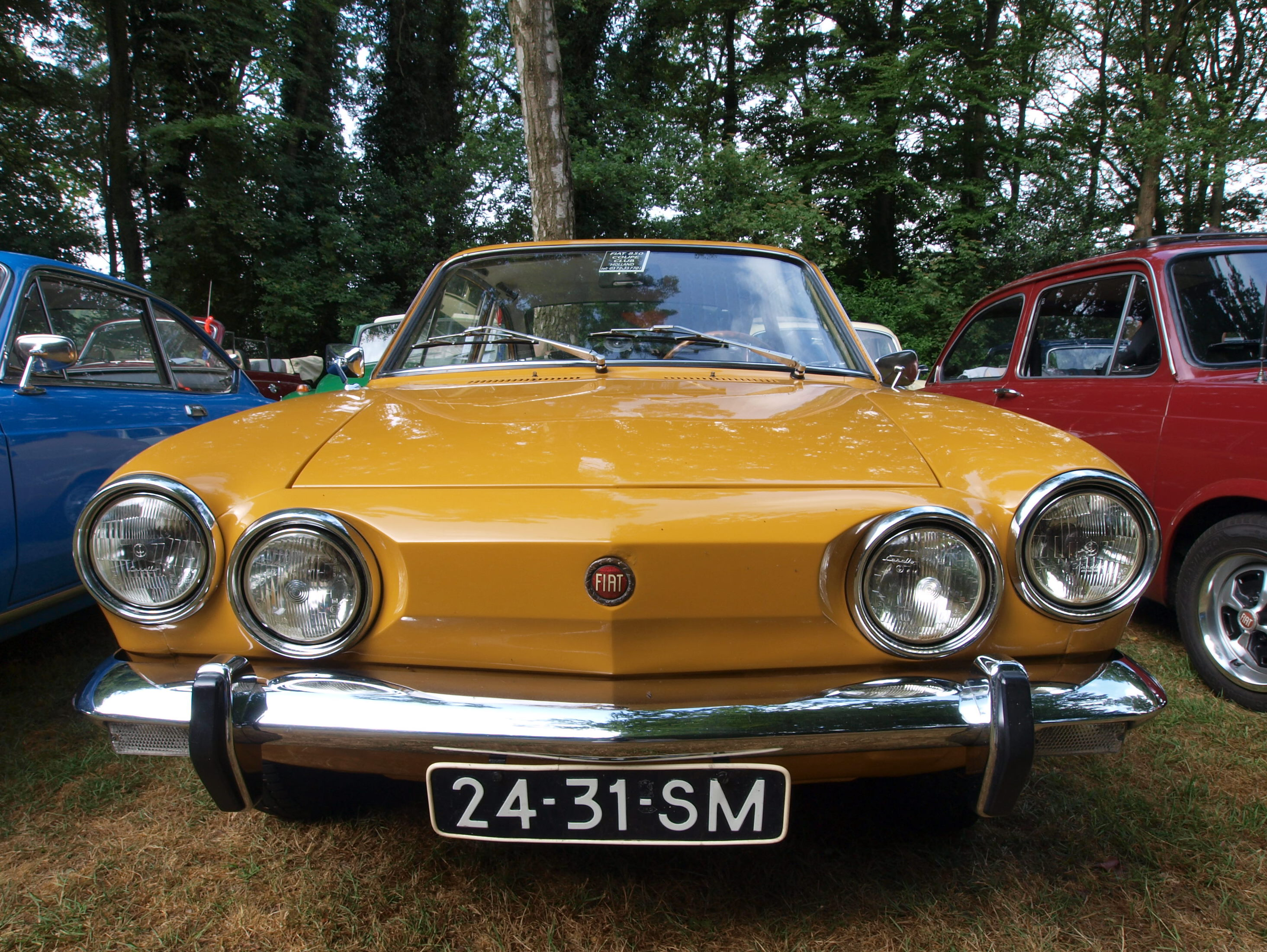 Fiat Spider For Sale >> File:1971 Fiat Sport 850 pic-003.JPG - Wikimedia Commons