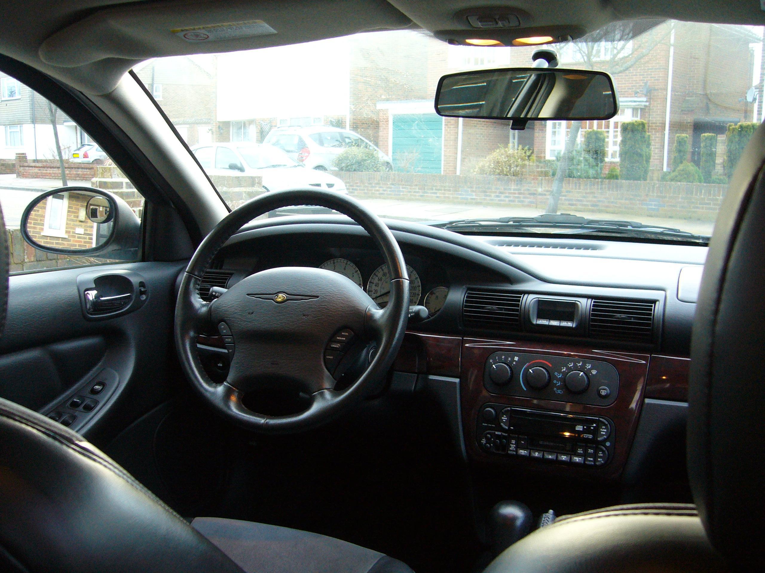 File:2003 Chrysler Sebring sedan (European model) inside view.JPG