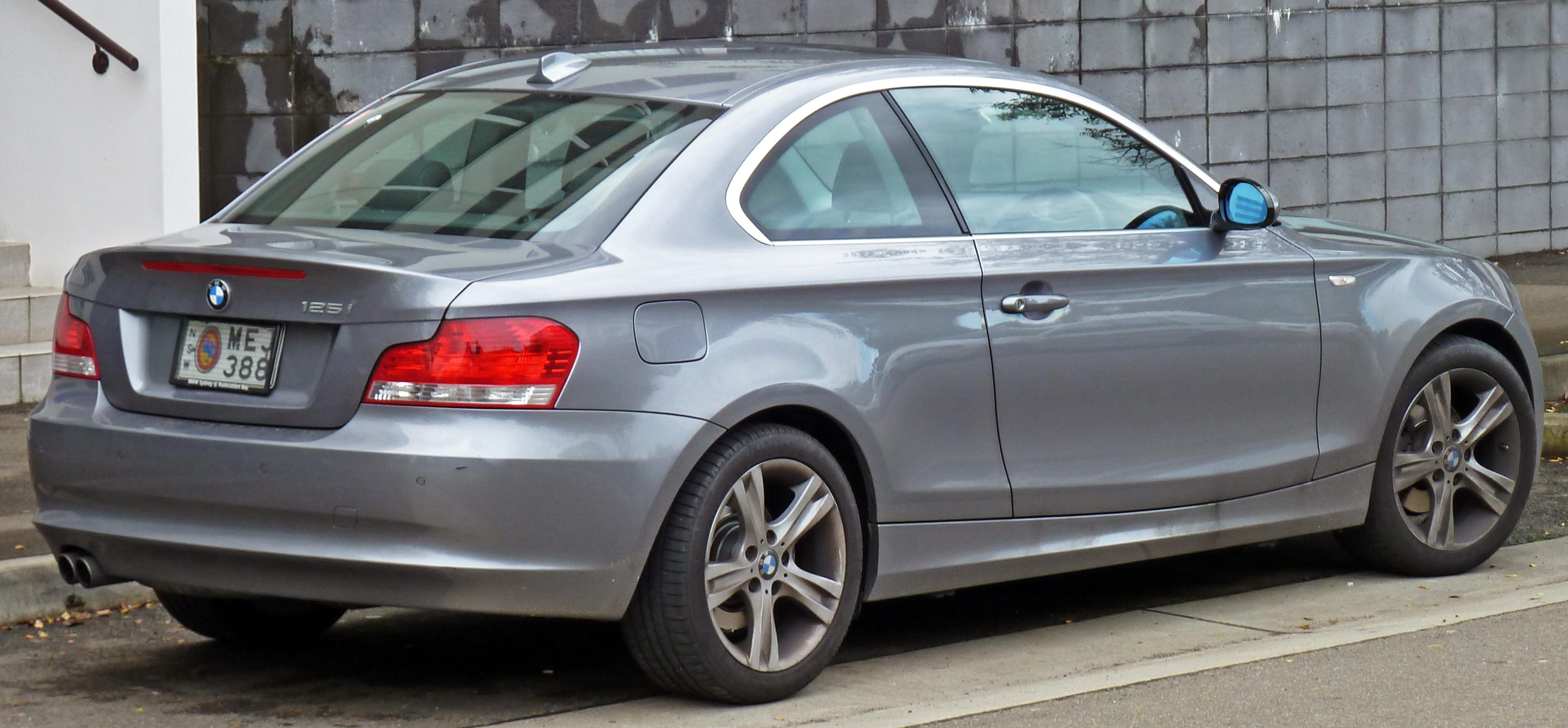 2010 BMW 02 Serie photo - 1