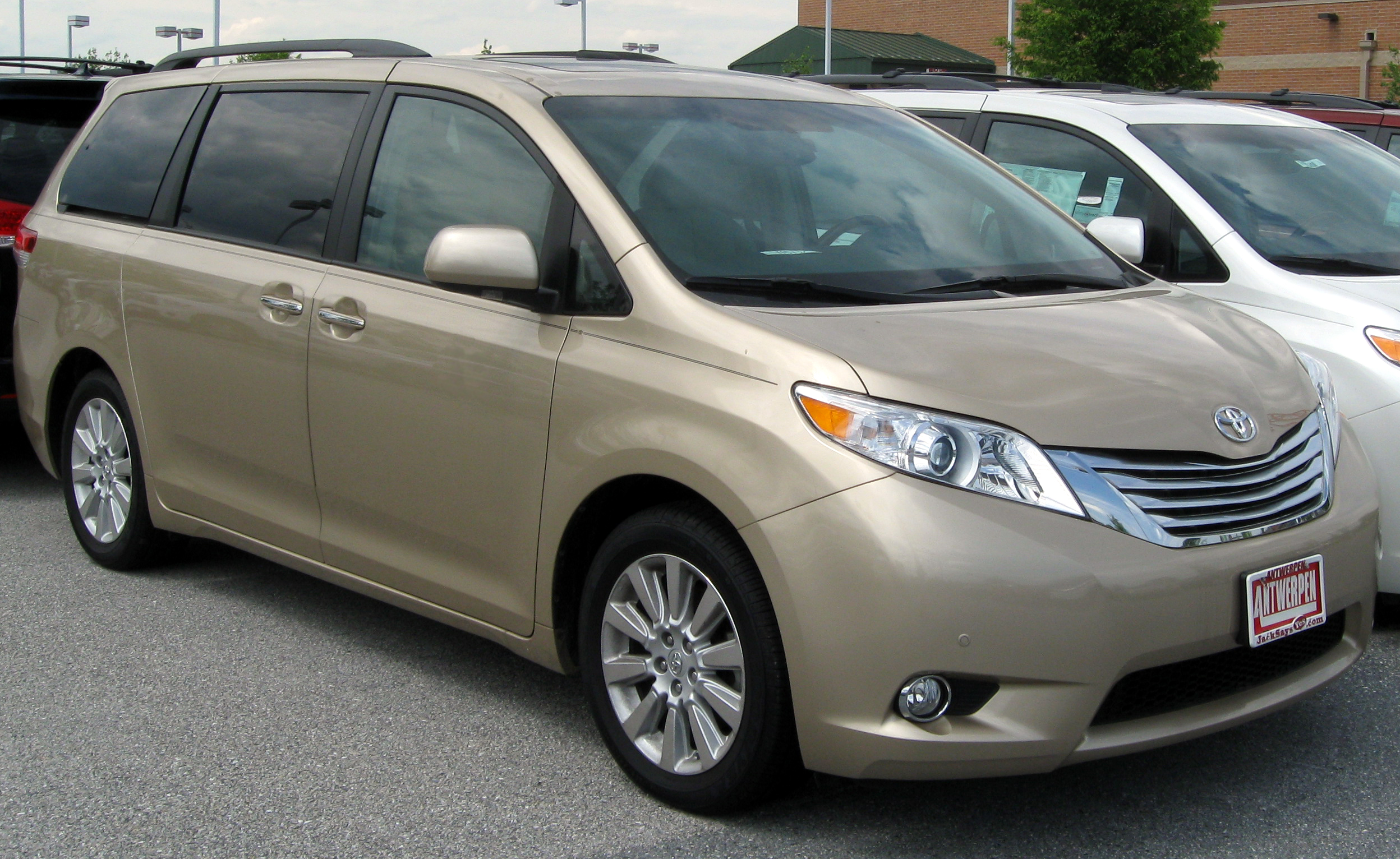 Download Toyota Sienna 2020 Price Canada