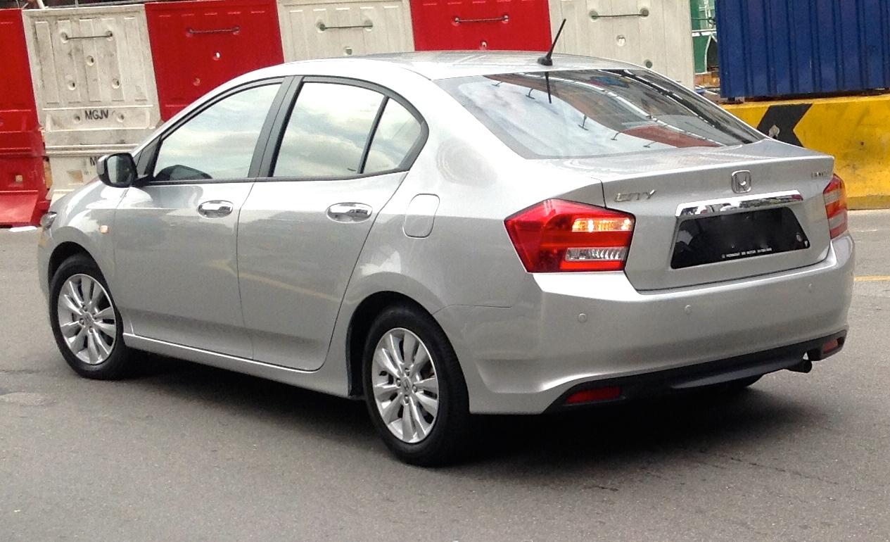 File:2012 Honda City (GM2) 1.5E sedan (2013-12-31).jpg ...