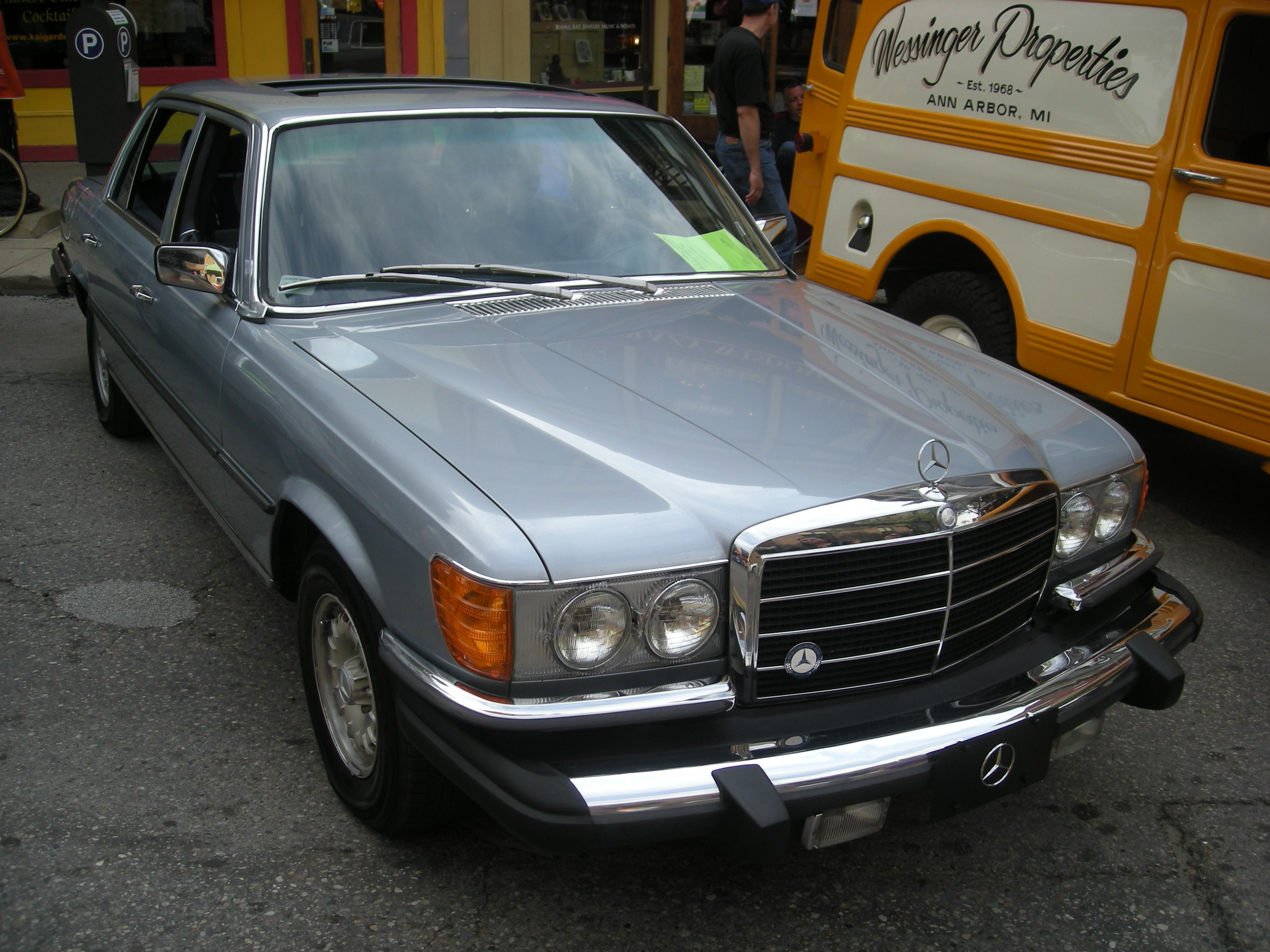 File 2014 rolling sculpture car show 52 1980 mercedes - Mercedes car show ...