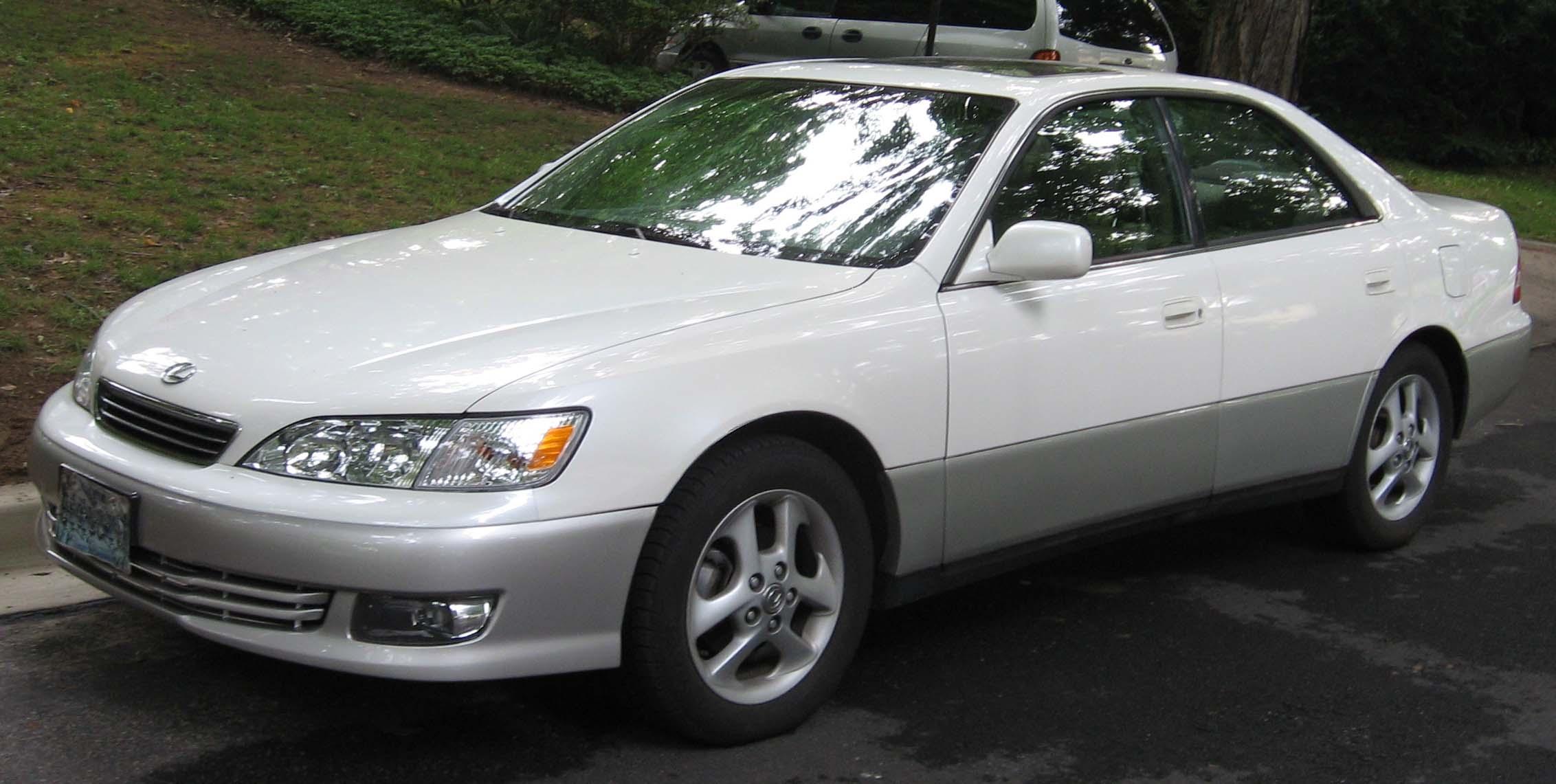 File:3rd Lexus ES300.jpg - Wikimedia Commons