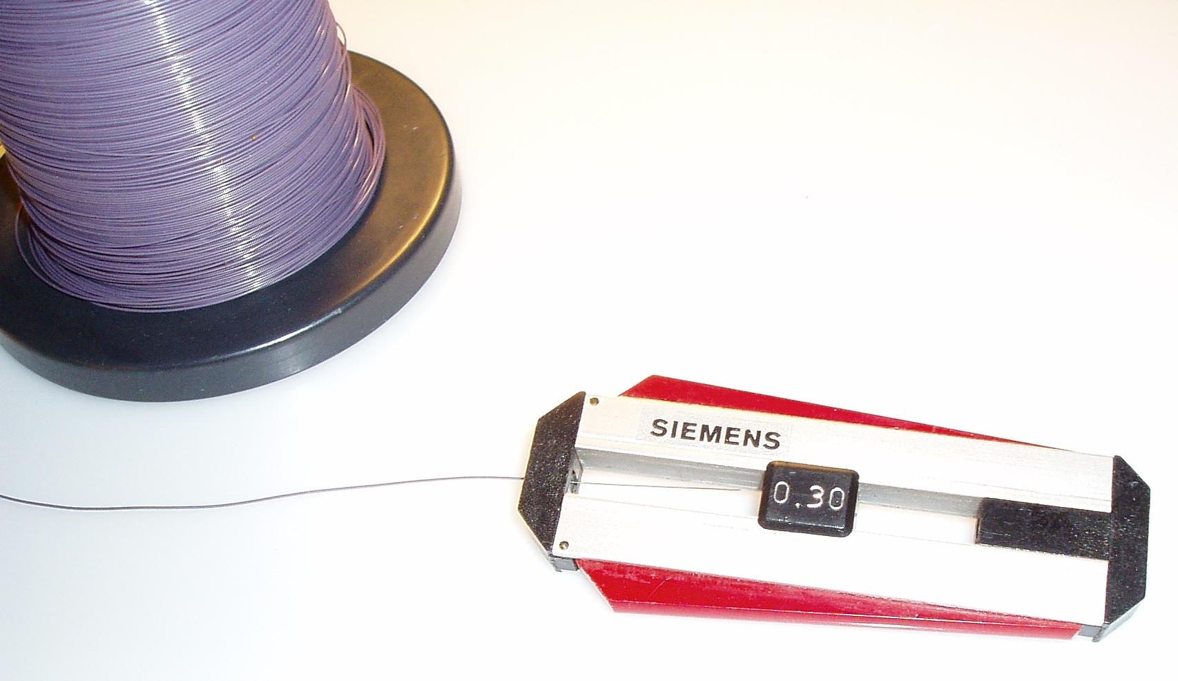 Datei:Abisolierwerkzeug für Wire-wrap-Draht AWG 30 ca. 1977.jpg ...