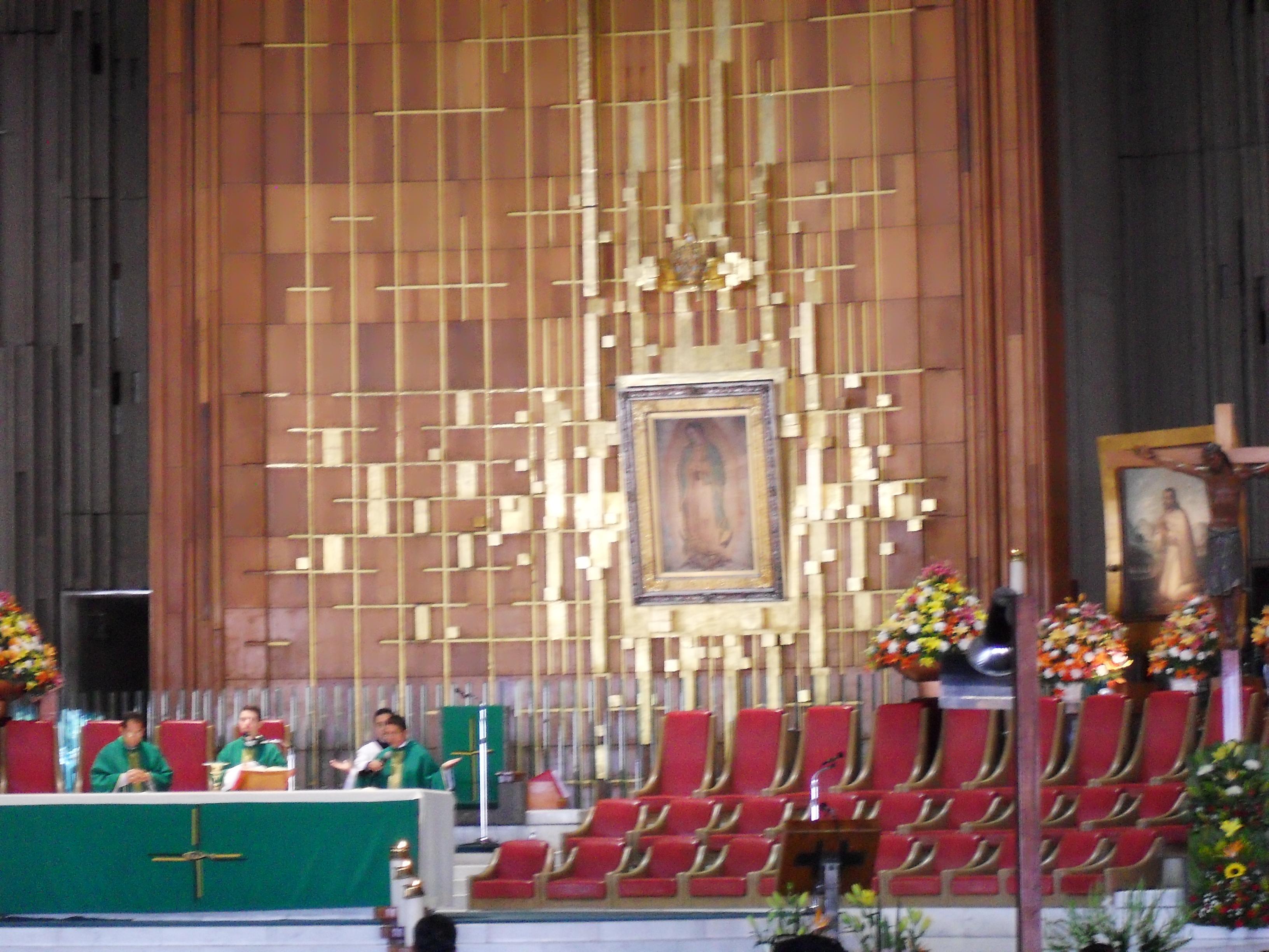 Description Altar De La Virgen De Guadalupe
