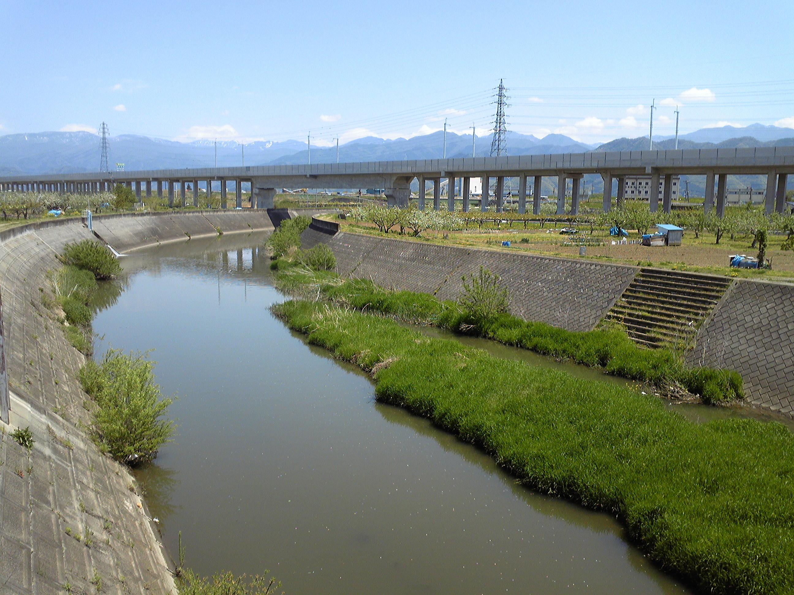 氾濫 浅川