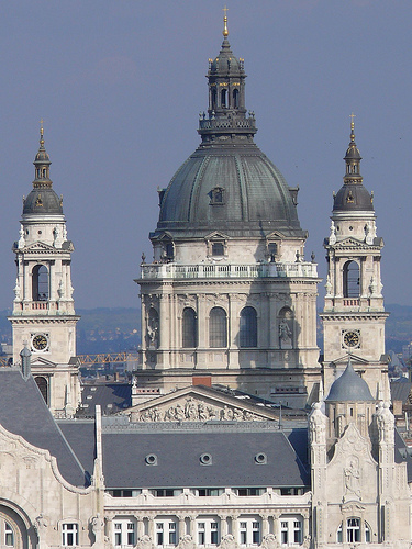 Ficheiro:Bazilika Budarol.jpg