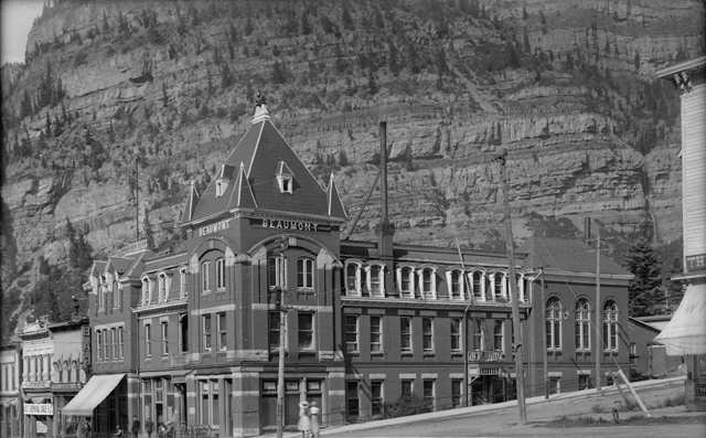 File:Beaumont Hotel Ouray,CO.jpg