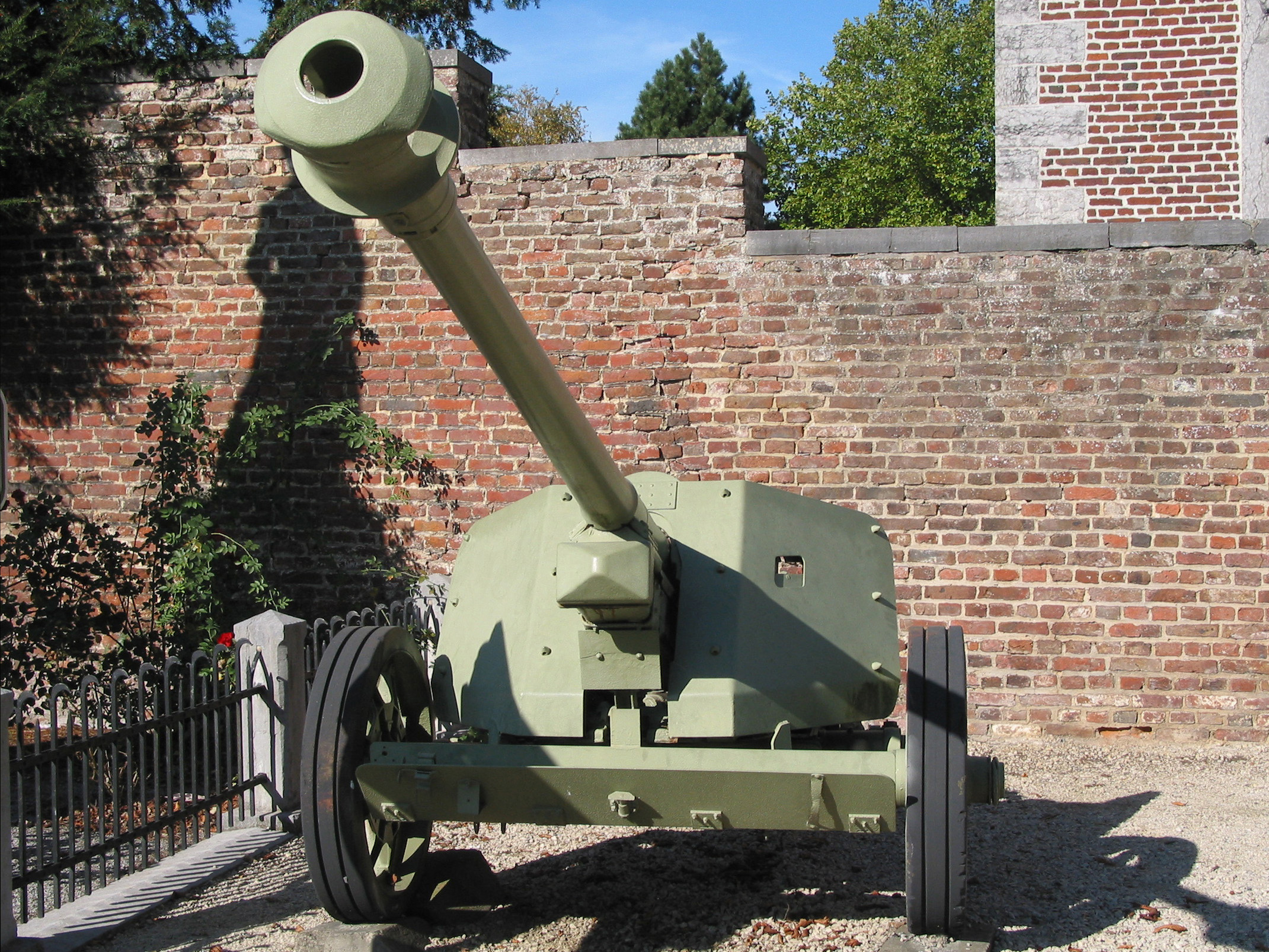 German 50 Mm Anti Tank Gun: File:Canon Anti-char PaK 40 De 75 Mm, Burdinne.jpg