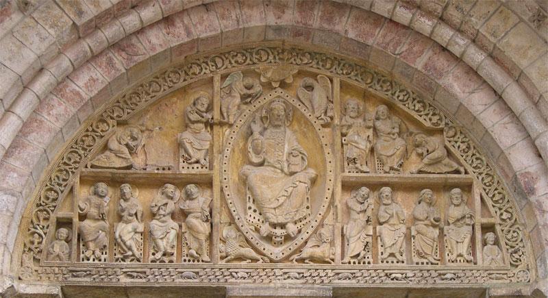 Тимпанум церкви Сен-Пьер в Кареннаке - Carennac (Кареннак), Миди-Пиренеи, Франция - достопримечательности, путеводитель по городу. Что посмотреть в Кареннаке и вокруг, как добраться - автобусы