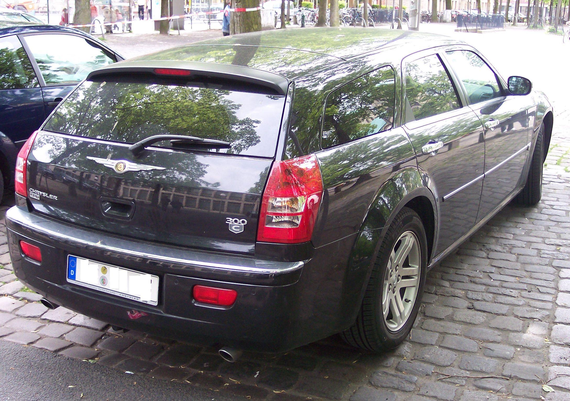 File chrysler 300c crd black wikimedia commons for Chrysler 300c crd