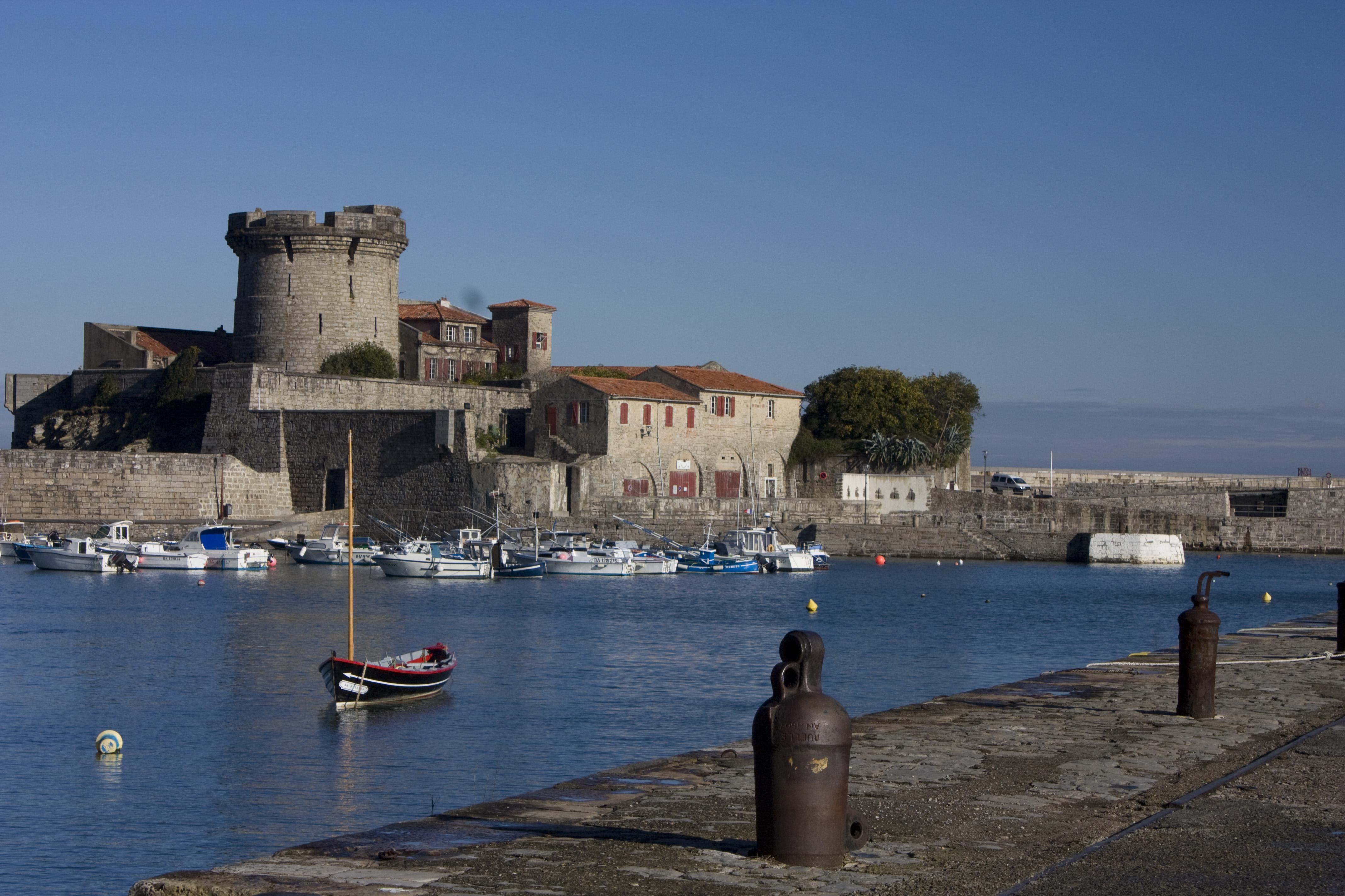 File ciboure fort de wikimedia commons - Fort de socoa ...