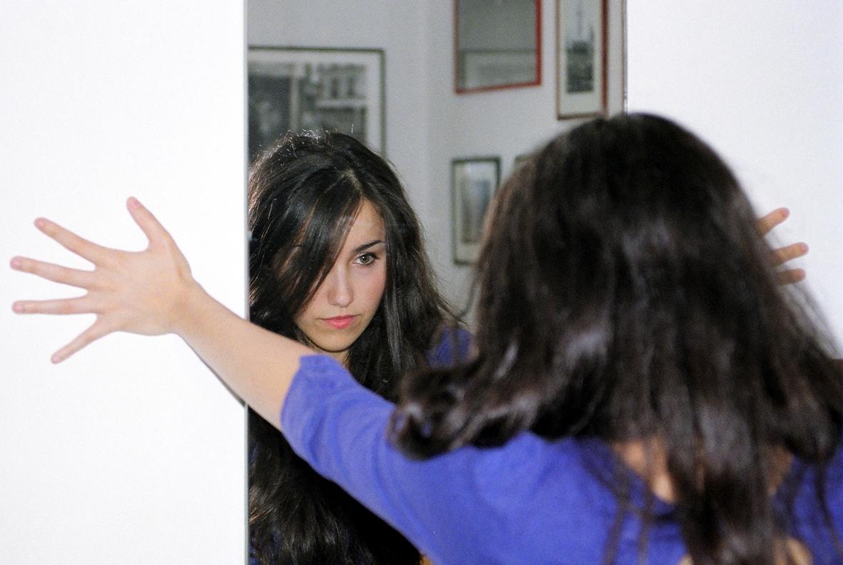 Cosa succeder alla ragazza romanzo wikipedia - La ragazza alla finestra dali ...