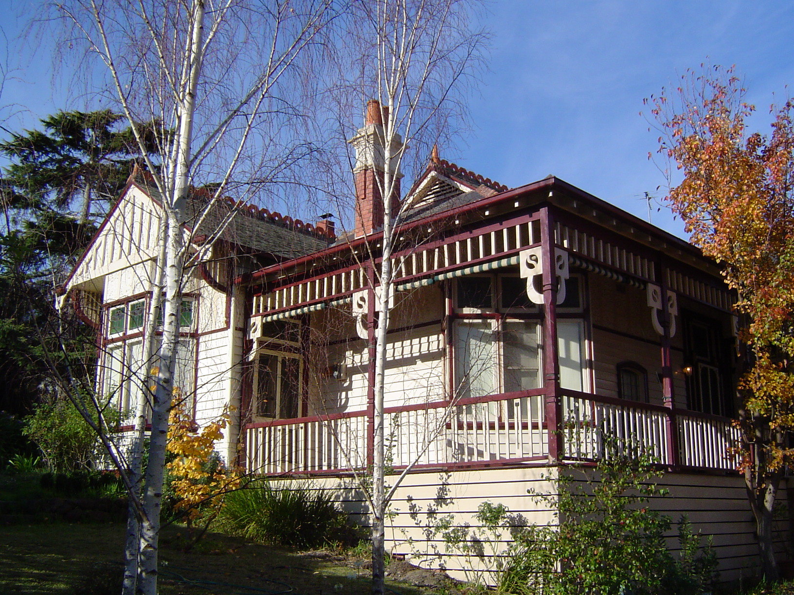Edwardian style house in Heidelberg, Victoria - example of filigree bungalow