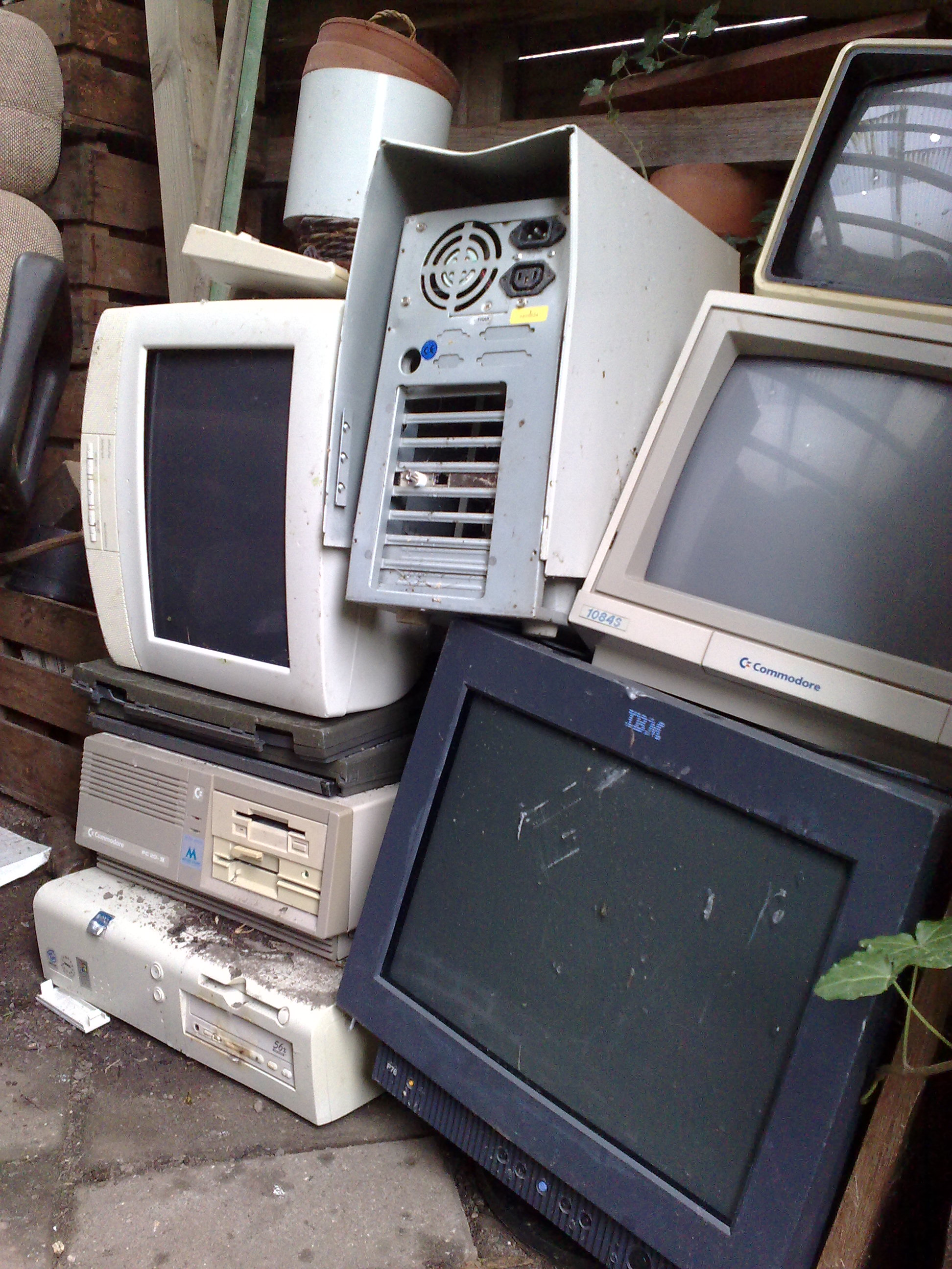 Don't let your e-waste pile up. Dispose of it properly this Saturday. Image via Wikimedia Commons.