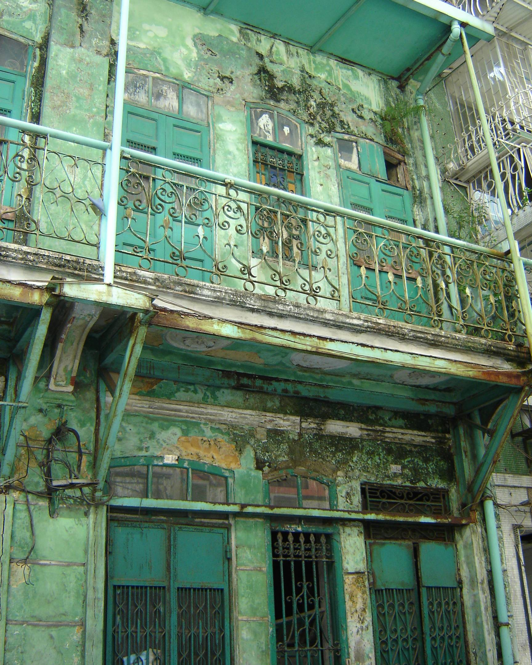 File Exterior Of An Old Apartment In Macau Jpg