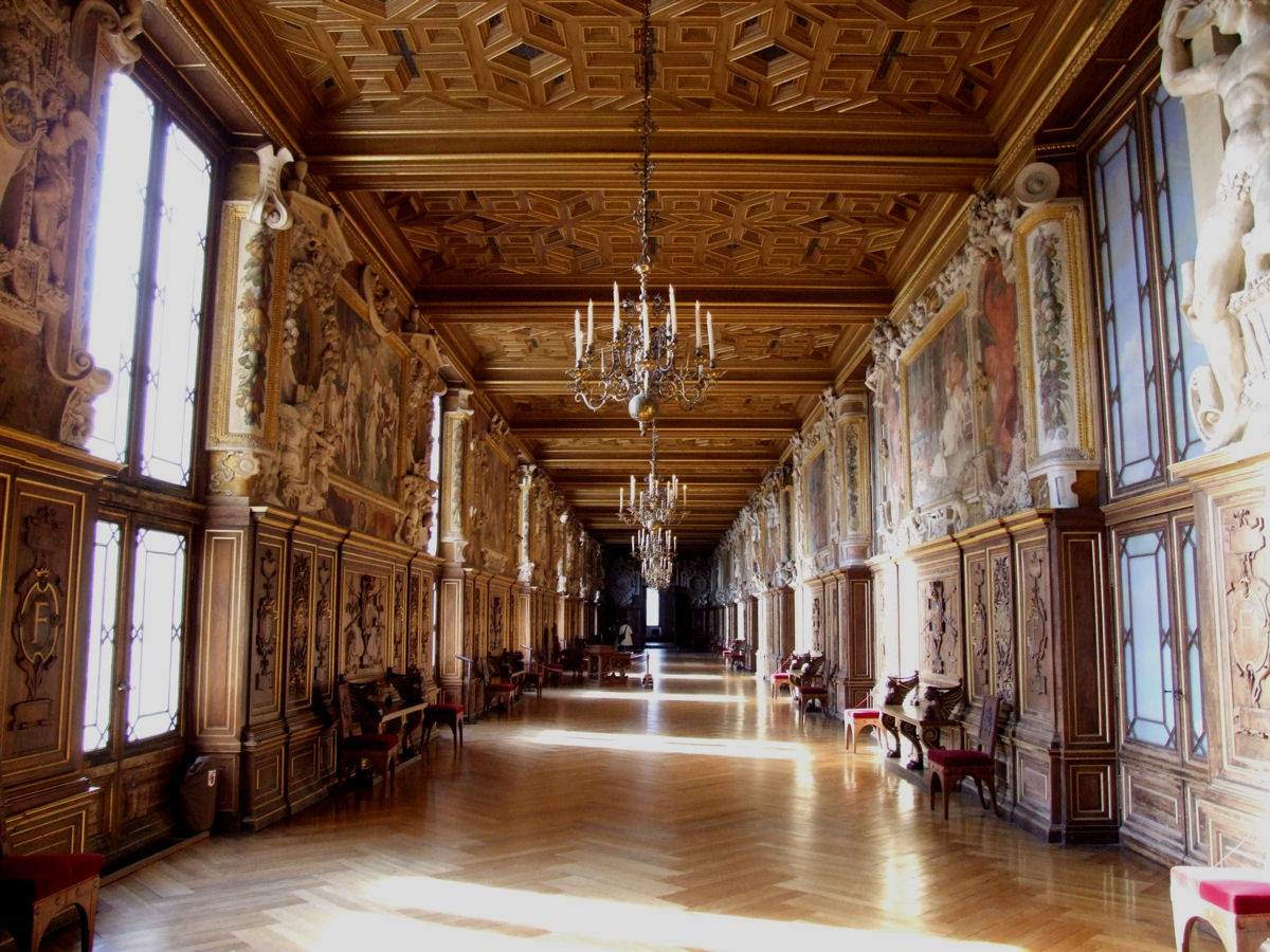 Fontainebleau_interior_francois_I_galler