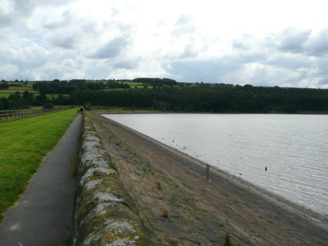 Footpath along the top of Underbank Reservoir Dam - geograph.org.uk - 921282