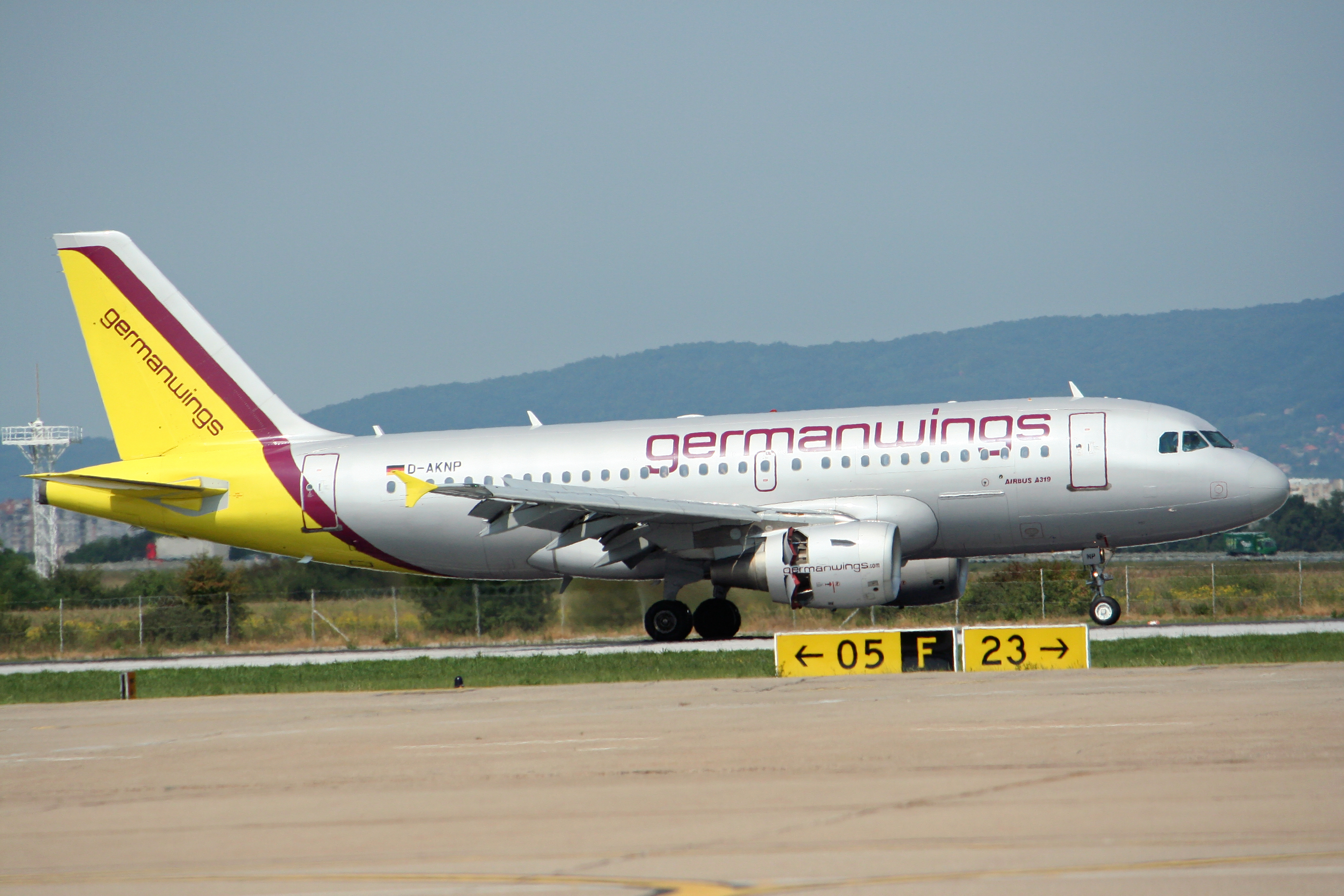 File:Germanwings A319.jpg - Wikimedia Commons