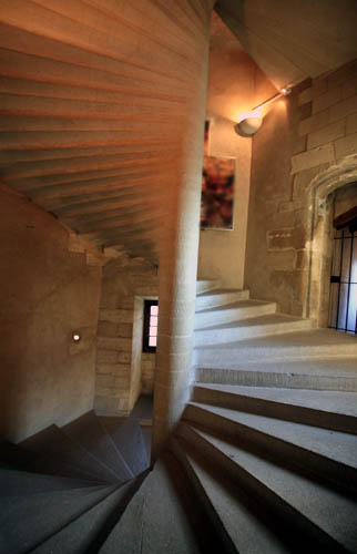 File:Gordes casttle staircase by JM Rosier.jpg