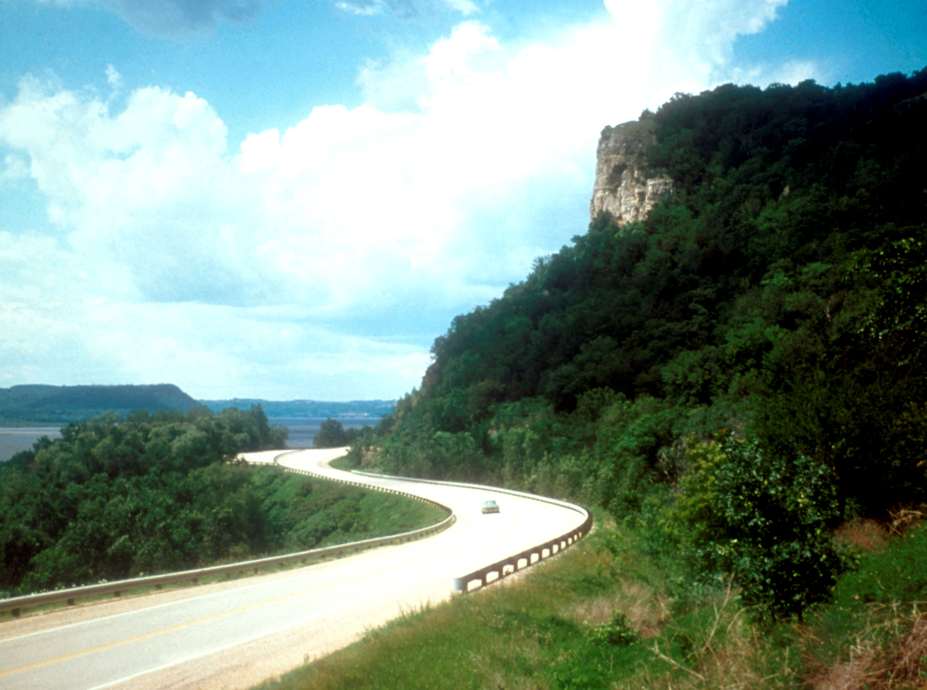 File:GreatRiverRoadWI.jpg  Wikipedia, the free encyclopedia