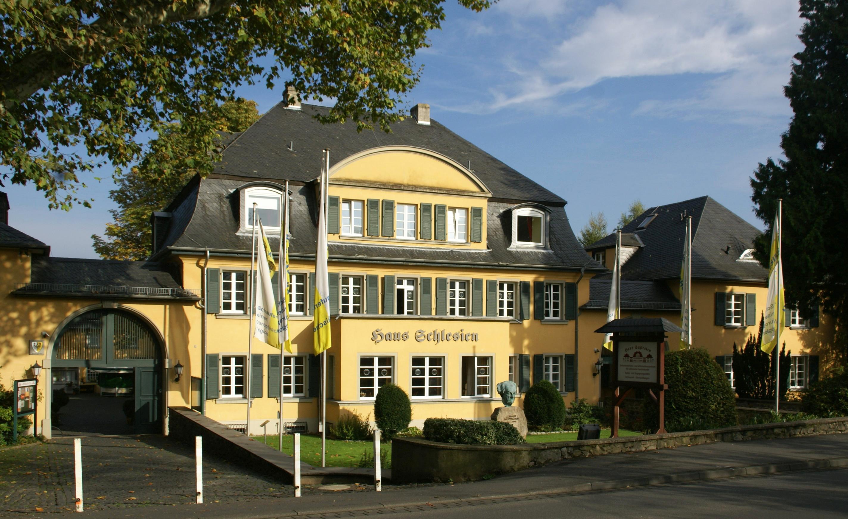 File Heisterbacherrott Haus Schlesien 01 Png Wikimedia Commons
