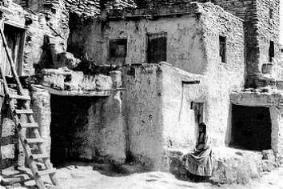 Les Hopis dans PEUPLES ANCIENS Hopi_house_year_1896