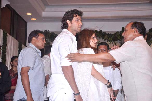 File:Hrithik Roshan, Suzanne Roshan at Rajesh Khanna's prayer meet 04.jpg