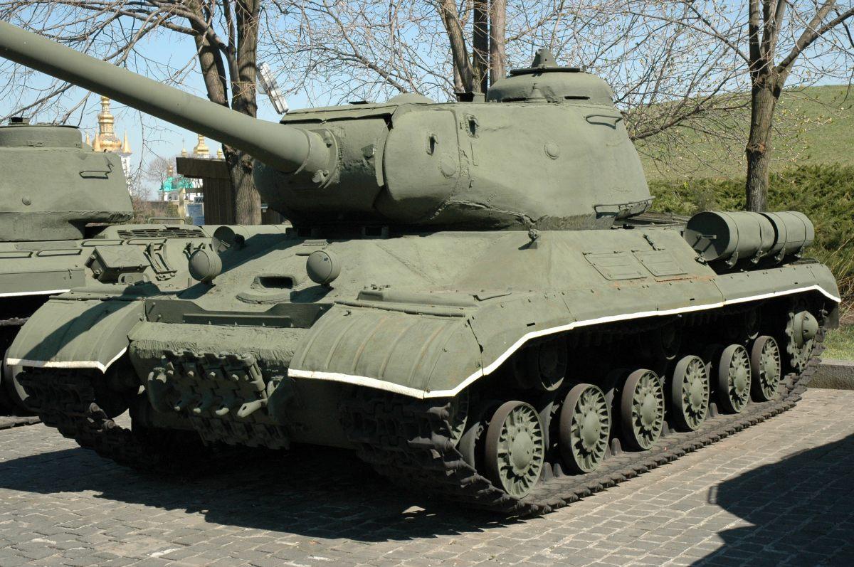 Iosif Stalin Tank