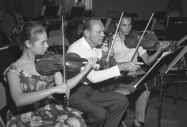 Jack Benny rehearsal with members of the California Junior Symphony Orchestra, 1959