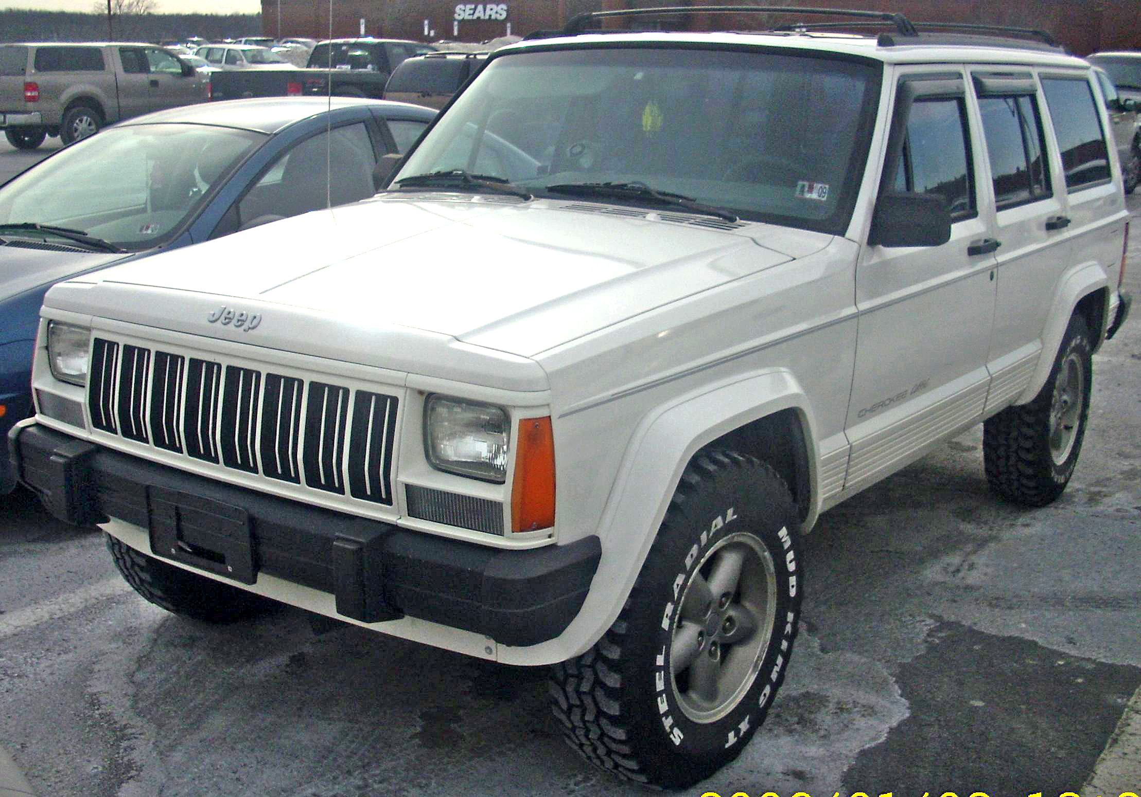 Jeep Cherokee Xj >> File:Jeep Cherokee Classic (XJ).JPG - Wikimedia Commons