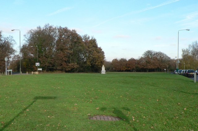 Keston, lawn on Hayes Common - geograph.org.uk - 1045080