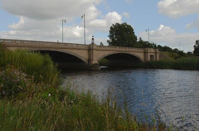 Kingsway crosses the Mersey - geograph.org.uk - 1538921