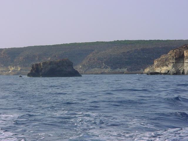 File:Lampedusa coast line.jpg