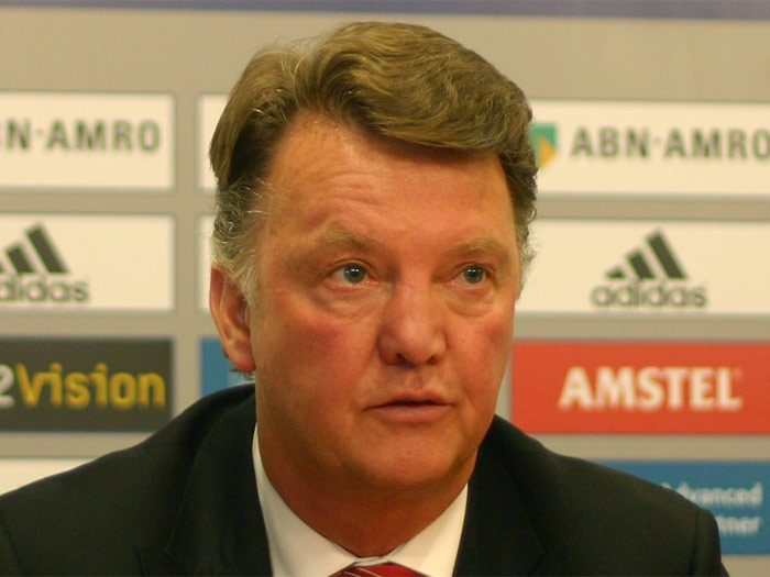 The 66-year old son of father (?) and mother(?), 190 cm tall Louis van Gaal in 2018 photo