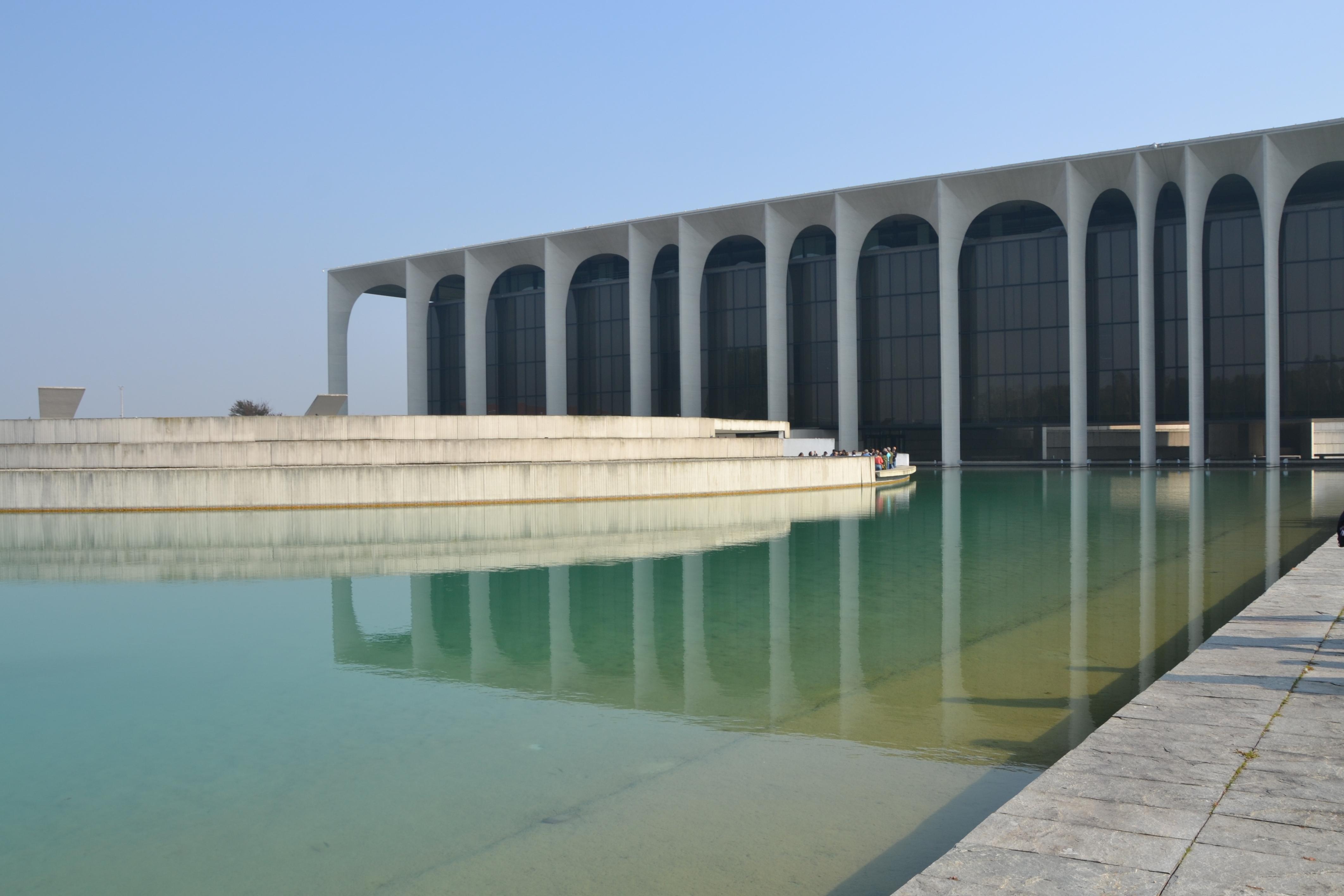 File Mondadori headquarters by Oscar Niemeyer Segrate Milano 01