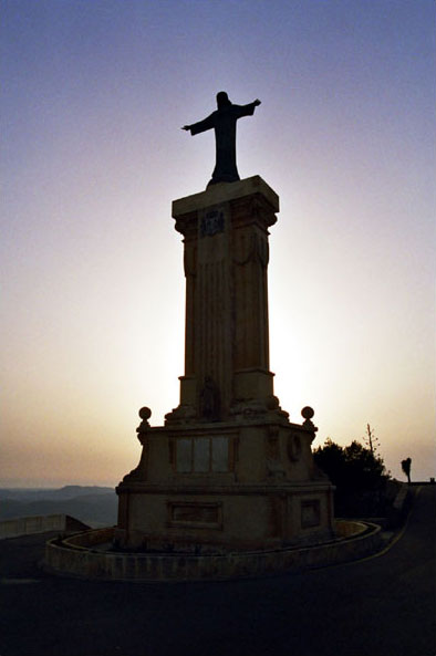 The monument at the top of El Toro.