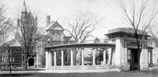 Peters Hall, the Oberlin Administration Building, in 1909.