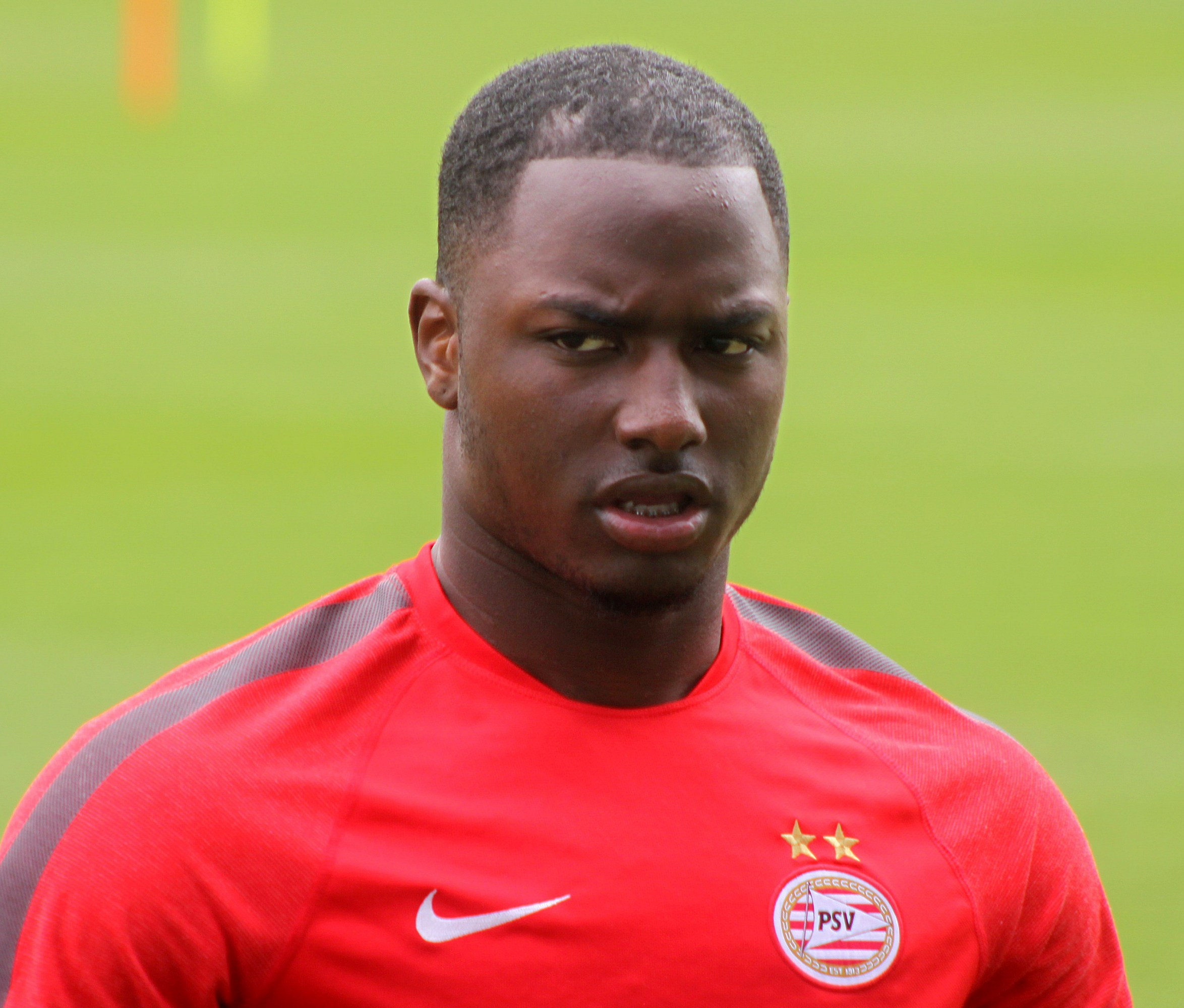 The 24-year old son of father (?) and mother(?) Jetro Willems in 2018 photo. Jetro Willems earned a  million dollar salary - leaving the net worth at 2 million in 2018