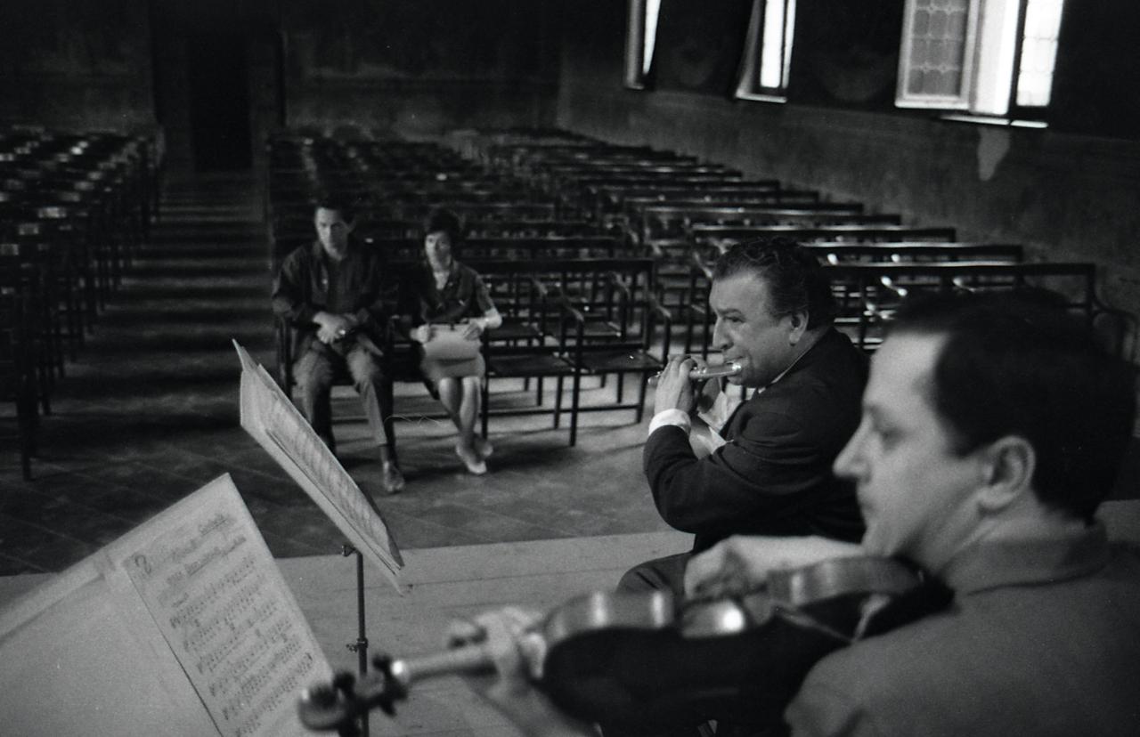 File paolo monti servizio fotografico milano 1964 for Materiale fotografico milano