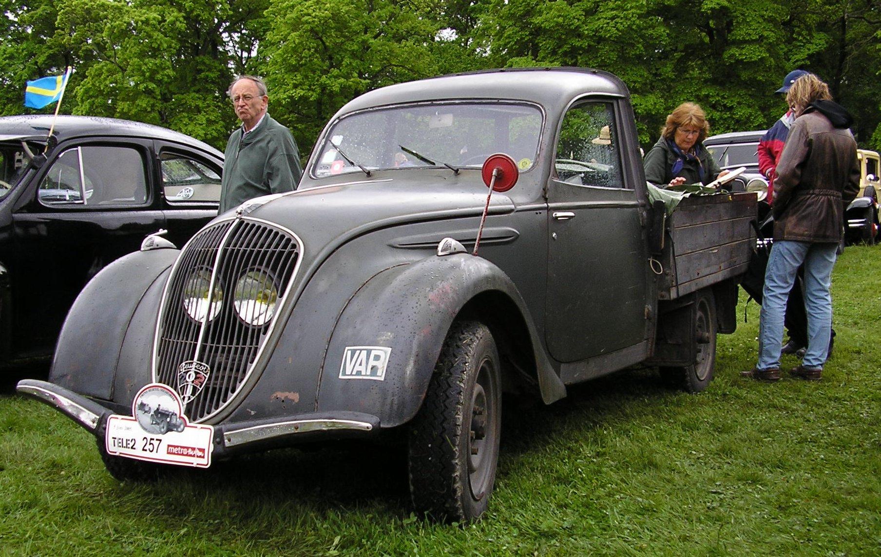 File:Peugeot 202 (2).jpg