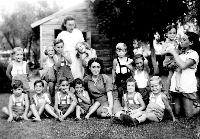 גן-שמואל-ילדי קבוצת עופר 1942
