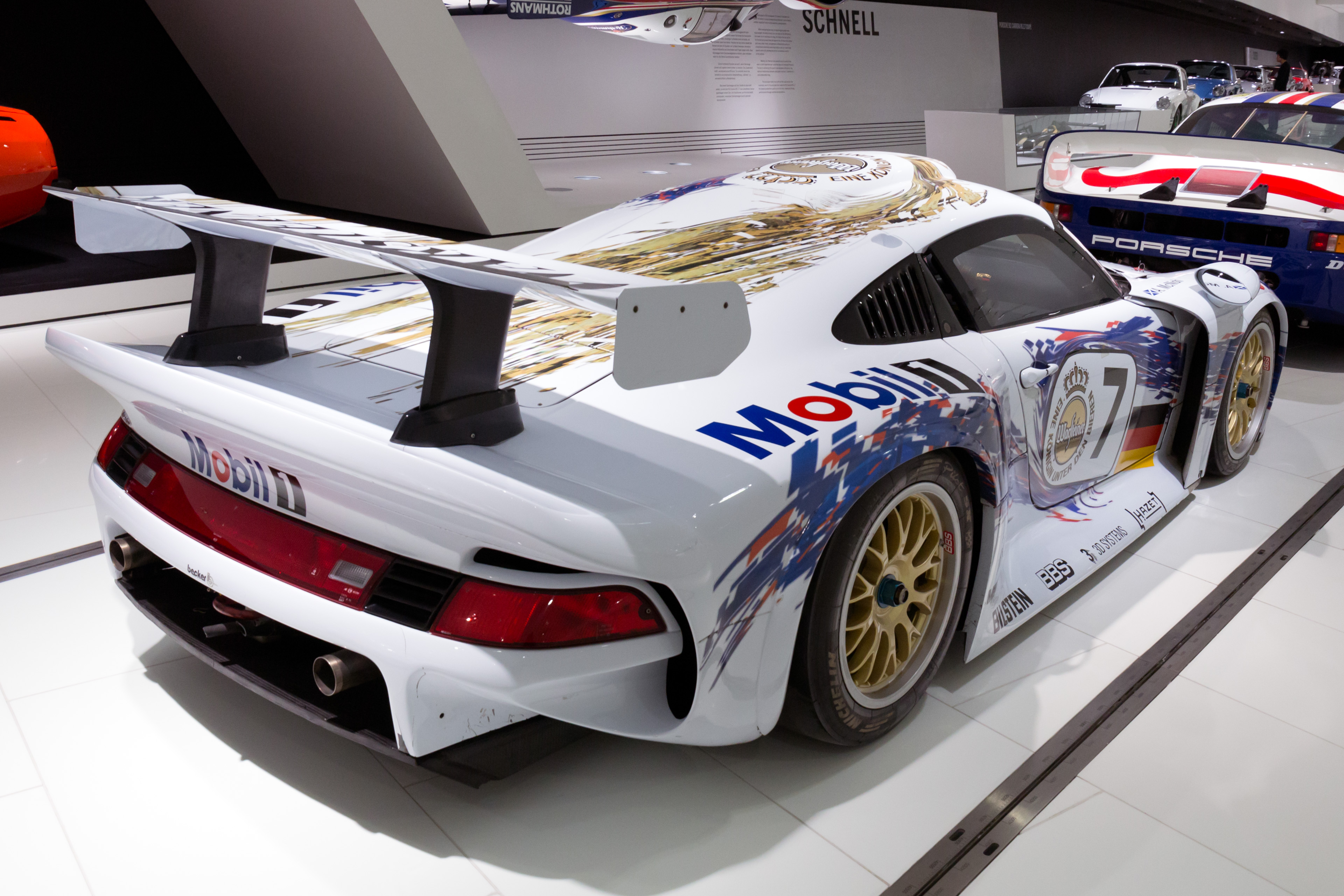 file porsche 911 gt1 96 rear right porsche. Black Bedroom Furniture Sets. Home Design Ideas